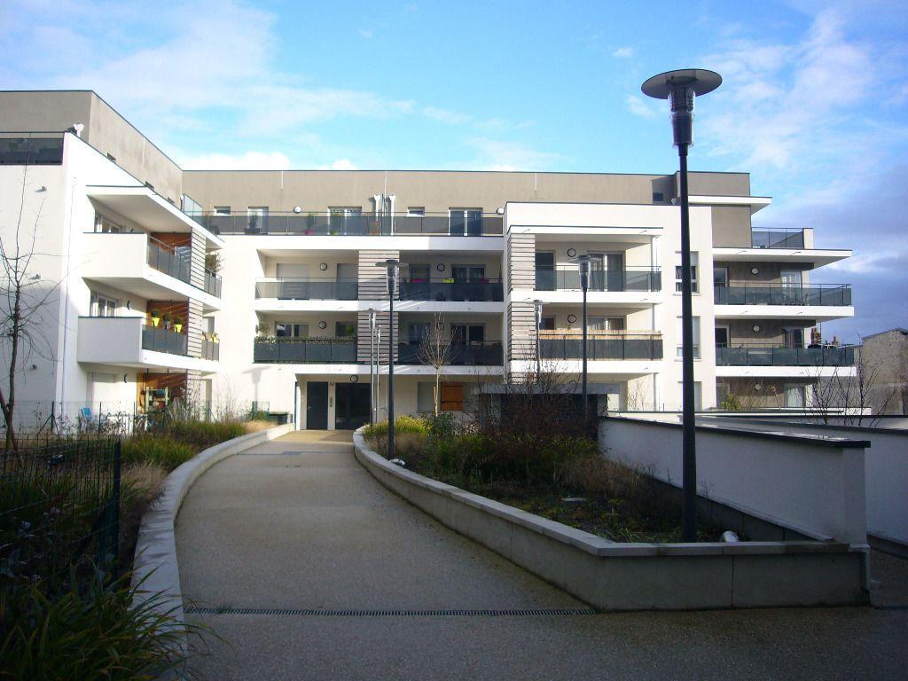 Appartement Louvres 3 pièce(s) 58.98 m2