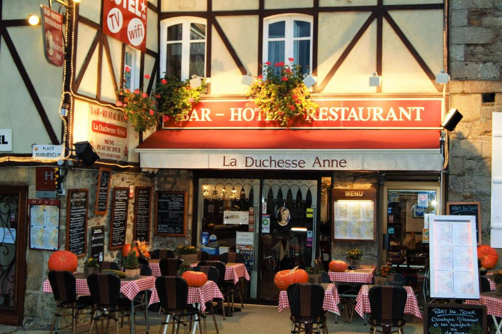 REGION DINAN (22), A VENDRE BAR HOTEL RESTAURANT