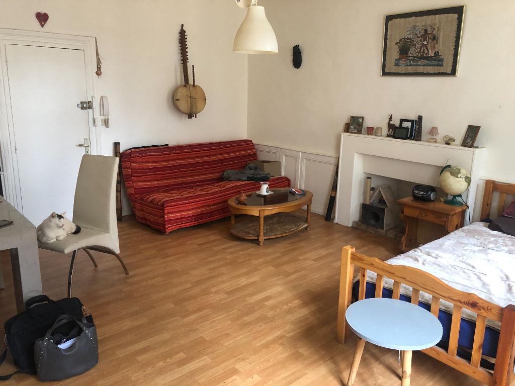A vendre Appartement Dinan  Centre historique 2 pièce(s) 40 m²