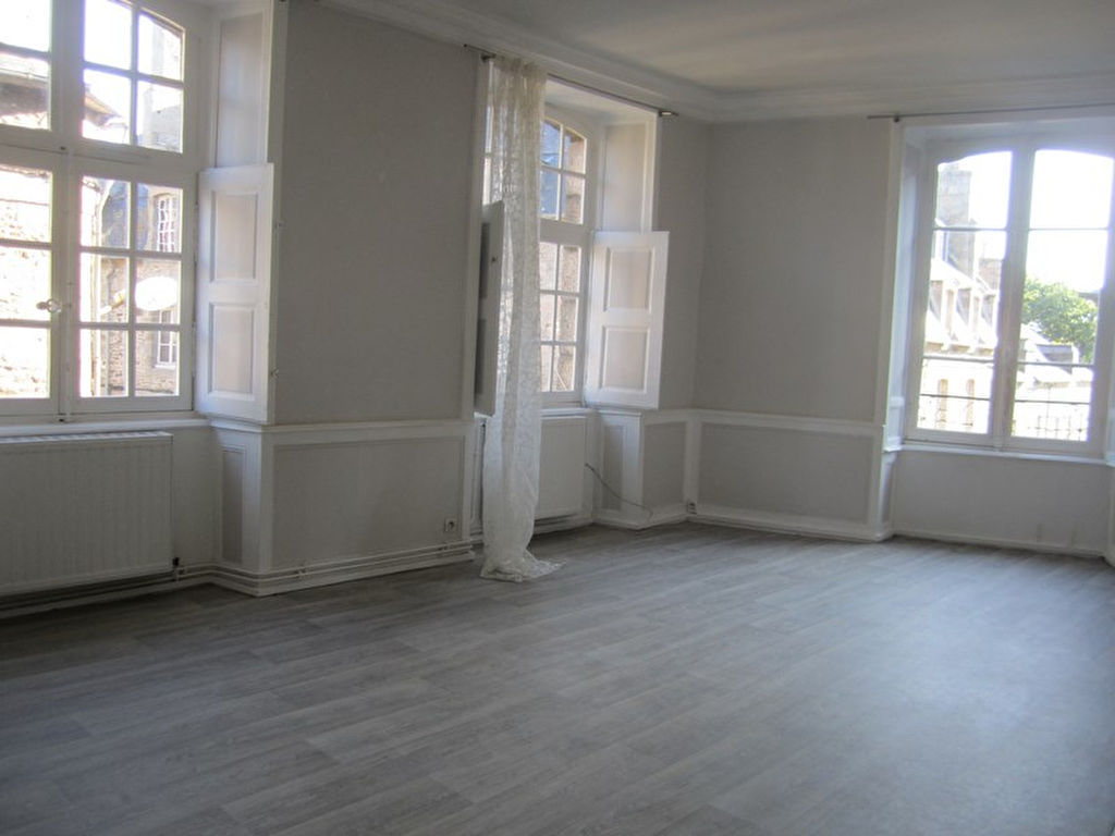 A vendre Appartement DINAN centre historique 72m², deux chambres