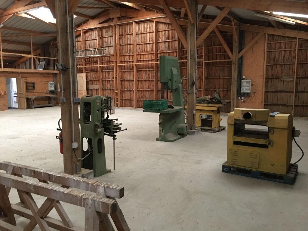 A LOUER . Entrepôt / local industriel  4 pièce(s) 375 m2 + Bureau
