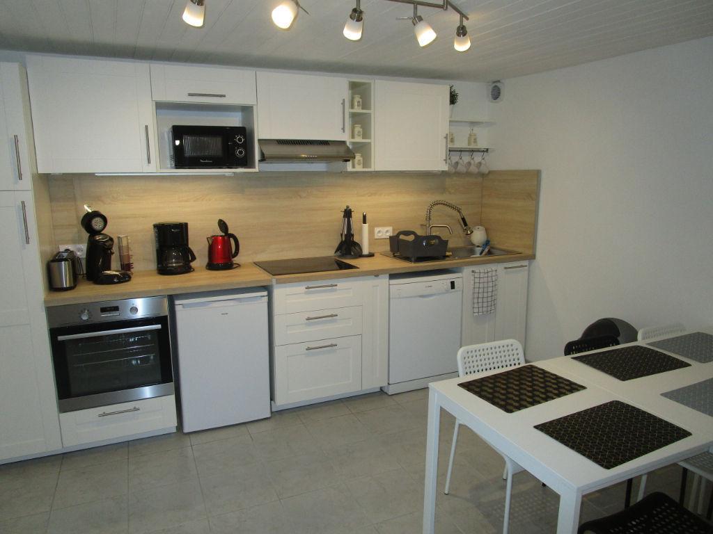 Appartement/Maisonnette Dinan 4 pièce(s) 85 m2  Proche du centre et des commodités  20km de la mer