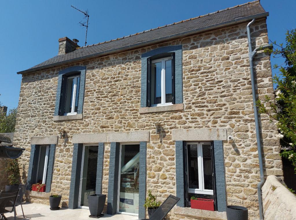 Maison indépendante  en pierre  rénovée Quartier gare Dinan 4 pièce(s) 95m2